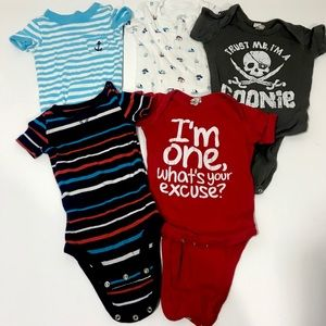 Lot of 5: Baby Bodysuits Short Sleeve 12Mo